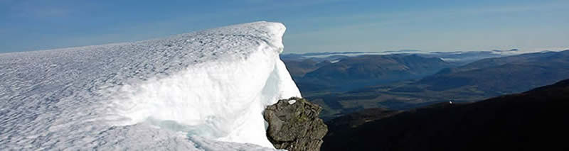 Snow cornice around Ben Nevis North Face in April